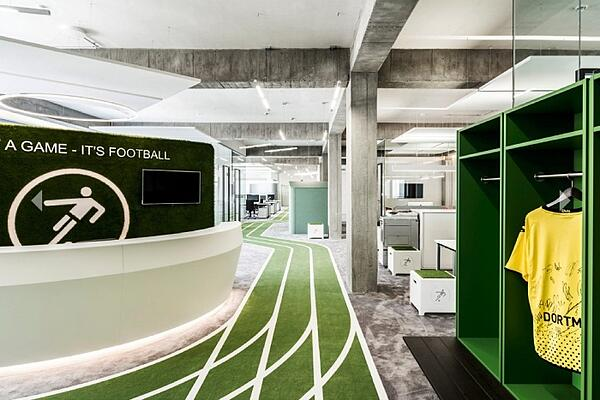 idee-decoration-bureau-professionnel-reunion-one-football